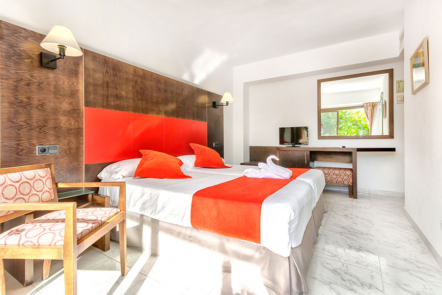 book your double room in hotel bahia de alcudia