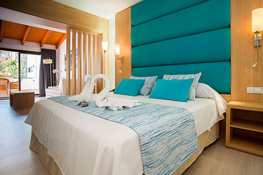 book your junior suite in hotel bahia de alcudia