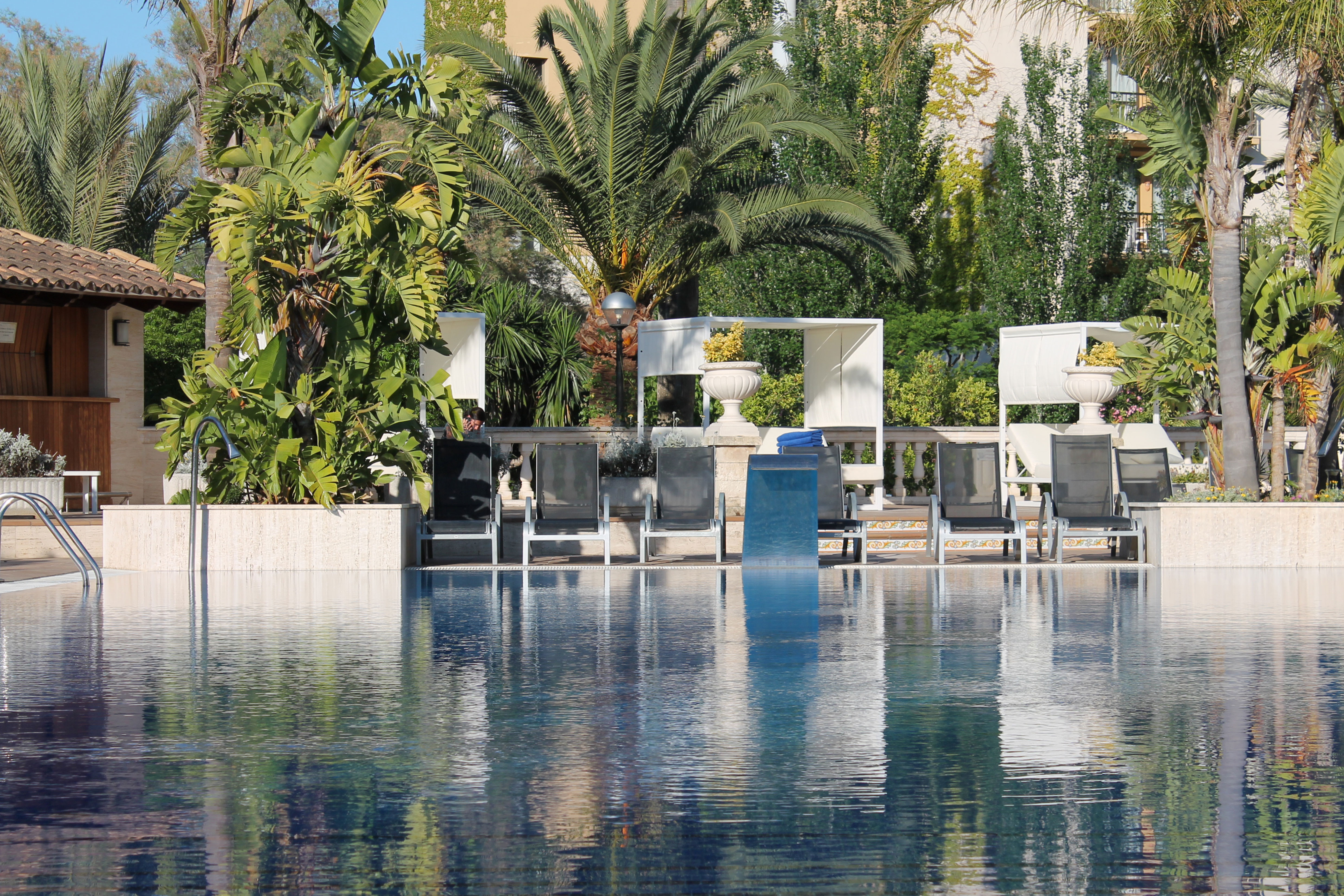 swimming pool hotel bahia de alcudia